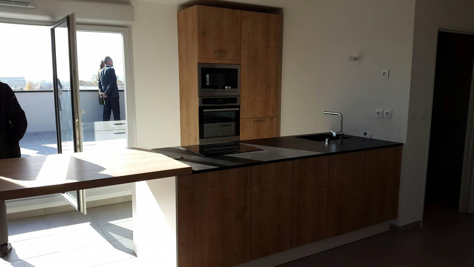 cuisine sur mesure haut de gamme a lyon 69007 lyon adc cuisine. Black Bedroom Furniture Sets. Home Design Ideas